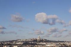 Montmartre und sacre coeur gesehen vom Gebäude der Mitte Pompidou lizenzfreies stockfoto