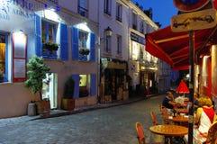 Montmartre wzgórze w evenin, Paryż, Francja zdjęcie royalty free