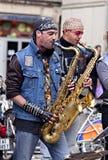 MONTPELLIER - MAGGIO 2010: Banda rock dell'ottone della via Fotografie Stock