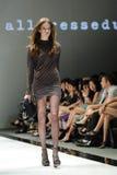 Montrare di modello progetta da Alldressedup ad Audi Fashion Festival 2012 fotografia stock