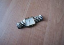 Montre avec le bracelet photos libres de droits