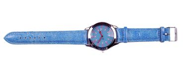 Montre bleue de main d'isolement sur le fond blanc Photos libres de droits