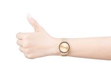 Montre-bracelet à la mode sur la main de femme d'isolement sur le fond blanc photos libres de droits
