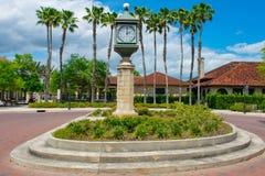 Montre de cru près de centre d'information dans la vieille ville à la côte historique de la Floride image libre de droits