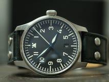 Montre de flieger de Stowa avec le bracelet en cuir Photographie stock libre de droits