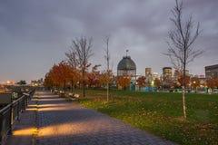 Montreal céntrica en la puesta del sol Imágenes de archivo libres de regalías