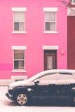 Montreal, CA, o 7 de março de 2016 Carro preto coberto com a neve dentro para Imagens de Stock Royalty Free