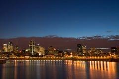 Montreal en la noche Imagenes de archivo