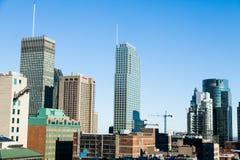Montreal-Gebäude im Bau und Kräne Lizenzfreie Stockfotos
