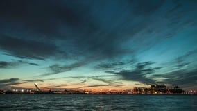 Montreal helgon Lawrence River och fartygsolnedgång Timelapse stock video