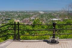 Montreal horisont från belvederen Camillien-Houde royaltyfri bild