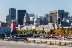 Montreal horisont från den gamla porten av Montreal Arkivfoton