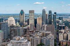 Montreal horisont från den Kondiaronk belvederen royaltyfri fotografi