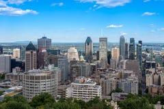 Montreal horisont från den Kondiaronk belvederen royaltyfri foto