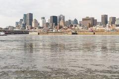 Montreal horisont i vinter från Arkivfoton