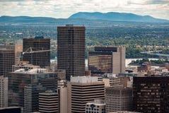 Montreal horisont - skyskraporna av det finansiella området royaltyfri fotografi