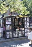 Montreal, il 26 giugno: Art Gallery Sketches Kiosk dal posto Jacques Cartier nel centro Ville di Montreal nel Canada fotografie stock