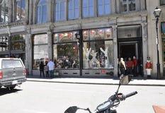 Montreal am 26. Juni: Andenken-Butike auf Rue Notre Dame von Vieux Montreal in Kanada Stockfotografie