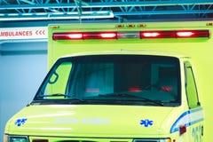 Montreal Kanada —mars 25, 2018: Kanadensisk ambulansbil med royaltyfria bilder