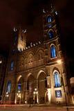 Notre Dame domkyrka vid natt i Montreal, Kanada Royaltyfri Bild