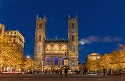 Montreal, Kanada, Październik 20, 2018 Notre Damae bazylika od Mon obrazy royalty free
