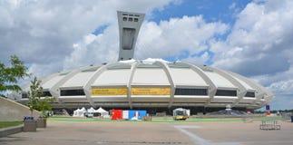 Montreal Olympic Stadium och torn arkivbild