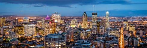 Montreal panorama på skymning royaltyfri fotografi