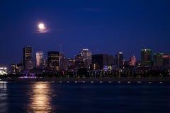 Montreal por noche Fotos de archivo libres de regalías