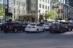 Montreal Quebec, Kanada - 18 Juli 2016 - tung trafik på cet Fotografering för Bildbyråer