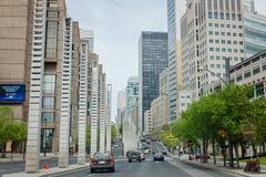 Montreal Quebec, Kanada - Maj 21, 2017: Boulevard Robertsom är i stadens centrum Royaltyfria Bilder