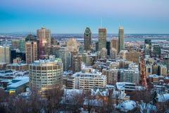 Montreal som är i stadens centrum i vinter royaltyfria bilder