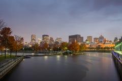 Montreal som är i stadens centrum på solnedgången Royaltyfria Foton