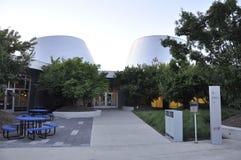 Montreal 27th Juni: Parkera OS:en med Rio Tinto Alcan Planetarium från Montreal i det Quebec landskapet av Kanada Arkivfoton