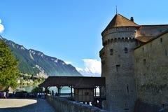 Montreaux/Zwitserland - Juli 16 2014: Ingang aan Chillon-Kasteel stock afbeeldingen