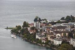 Montreux, die Schweiz - Ansicht der Stadt und Genfersee Stockbilder