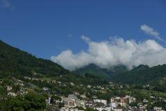 Montreux från Clarens på sjöGenève arkivbilder