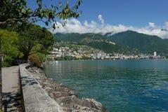 Montreux från Clarens på sjöGenève fotografering för bildbyråer