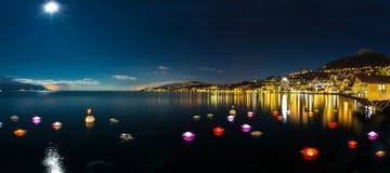 Montreux nachts mittleres Lizenzfreie Stockfotografie