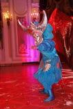 Montrez l'illusionniste vénitien Raman Soup de magicien de carnaval Photos stock