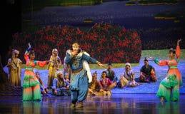 Montrez la lune de ballet de danse-Hui au-dessus de Helan Photos stock