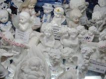 Montri i negozi di regalo, centrale storico ed il più grande grande magazzino di St Petersburg, di sedili l'iarda a sedere Fotografia Stock Libera da Diritti
