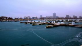 Montrose Harbor : HIVER de Chicago, IL banque de vidéos
