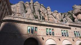 Montseratt-Gebäude in Spanien stock footage