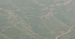 Montserrat, Catalogne, Espagne - 18 mai 2018 : Les gens se reposant en Montserrat Mountains Rocky Range Located Near Barcelona banque de vidéos