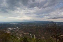 Montserrat, Hiszpania, Wrzesień 20th, 2016: widok na Serra De Collards dolinie Zdjęcie Royalty Free