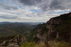 Montserrat, Hiszpania, Wrzesień 20th, 2016: widok na Serra De Collards dolinie Zdjęcia Royalty Free