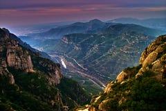 Montserrat - mening van Klooster Stock Fotografie