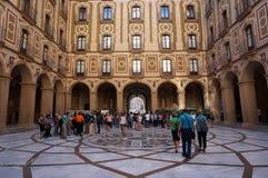 Montserrat Monastery Courtyard immagine stock libera da diritti