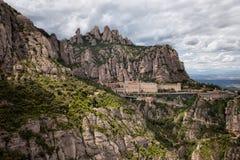 Montserrat Mountains y monasterio en España foto de archivo libre de regalías