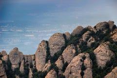 Montserrat vaggar nära den Montserrat abbotskloster, Catalonia Arkivfoto
